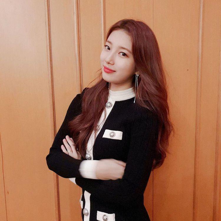秀智穿BALMAIN秋冬系列羅紋針織小洋裝,售價63,900元。圖/取自IG