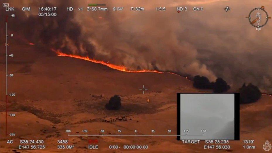 澳洲新南威爾斯省30日的野火空拍圖。(路透)