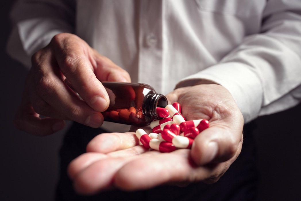 安眠藥種類眾多,服用前應請醫師評估。 圖/123RF