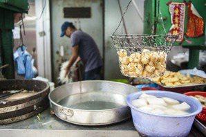在小吃店「幫忙」的外籍移工,合法嗎?