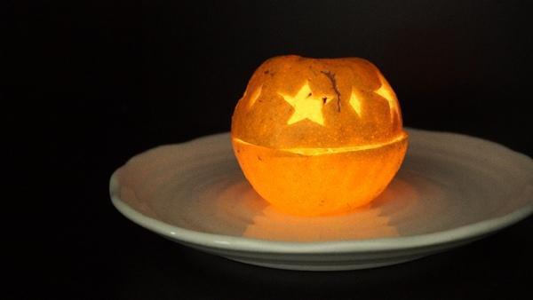 柑橘果皮蠟燭,燃燒時,有柑橘精油香氣喔! 圖/Fooding台灣好食材