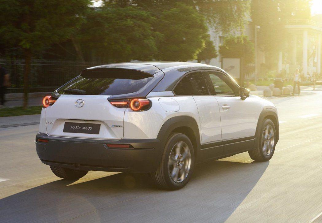 Mazda MX-30配備較小的電池組是為了減少碳排量。 圖/Mazda提供