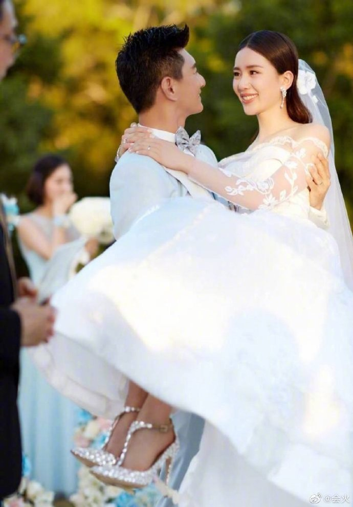 吳奇隆、劉詩詩2016年在峇里島舉辦婚禮,甜蜜浪漫畫面至今令人印象深刻。圖/摘自