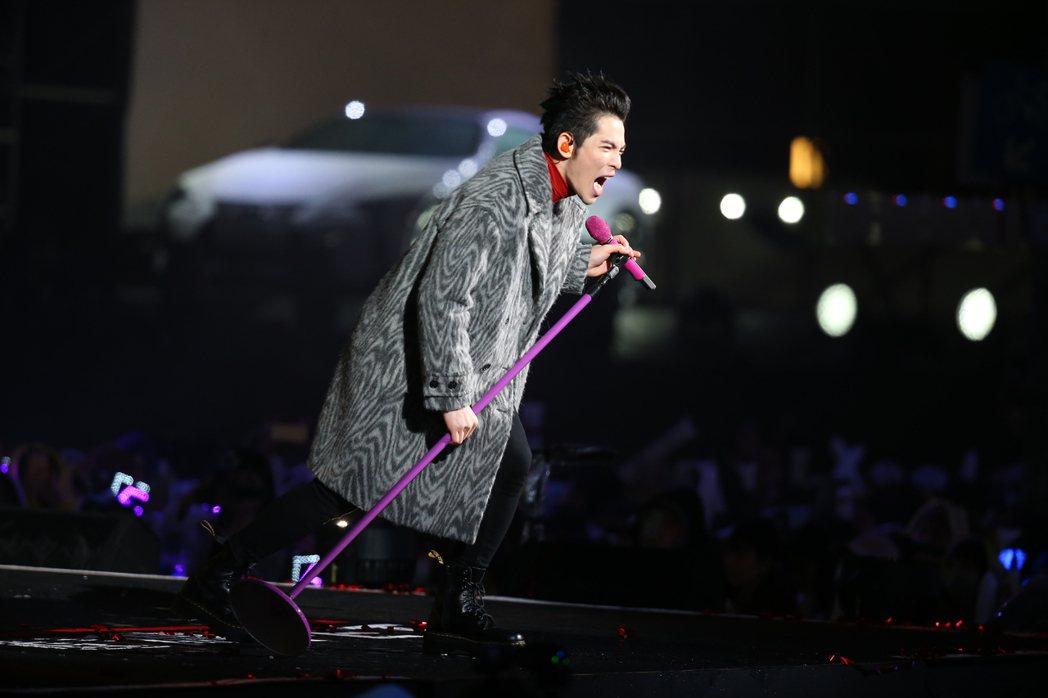 蕭敬騰唱到停不下來。記者蘇健忠/攝影