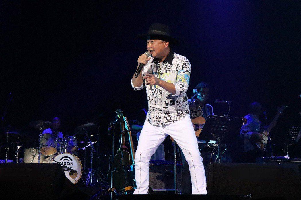 陳昇跨年演唱會連續與粉絲約會26年,喊話要唱到粉絲變心為止。圖/宜辰整合行銷提供