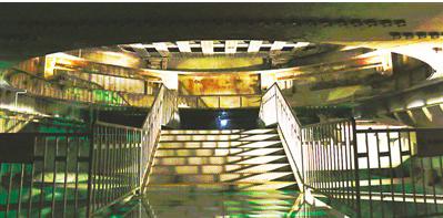 816地下核工程反應爐鍋底。816建築佈局宛如迷宮,大型洞室有18個,道路、導洞...