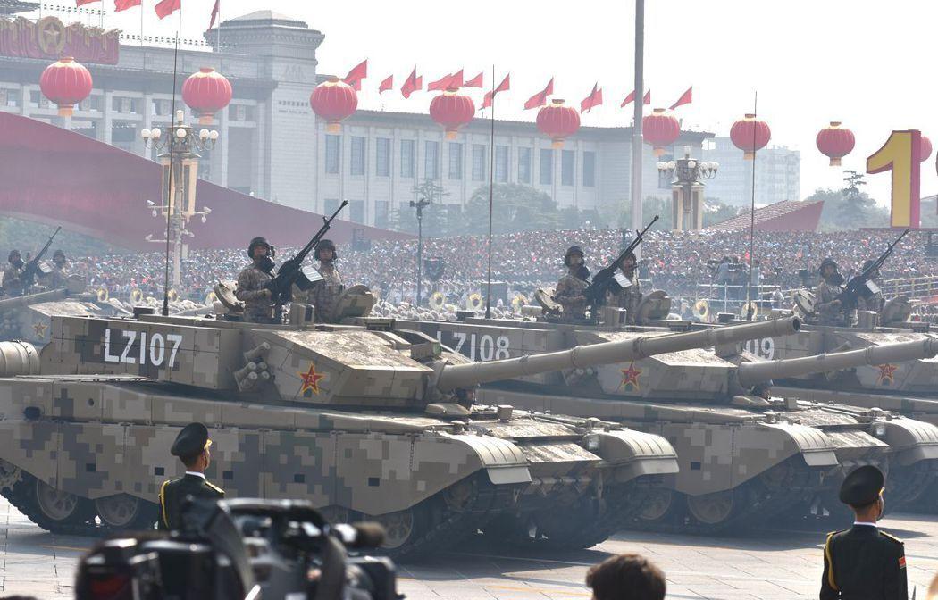 中共99A式主力坦克。特派記者陳言喬/攝影
