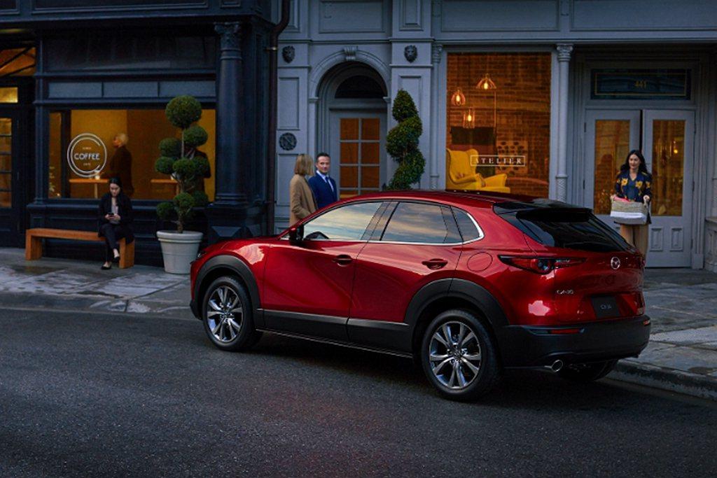 台灣市場上市完整1個月份就交出374輛的成績,表現也相當不錯。 圖/Mazda提...