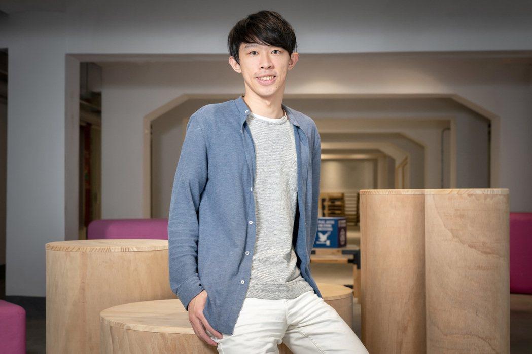 2018年,黃偉翔成立非營利組織「Skills For U」,把過去幾年的倡議、...