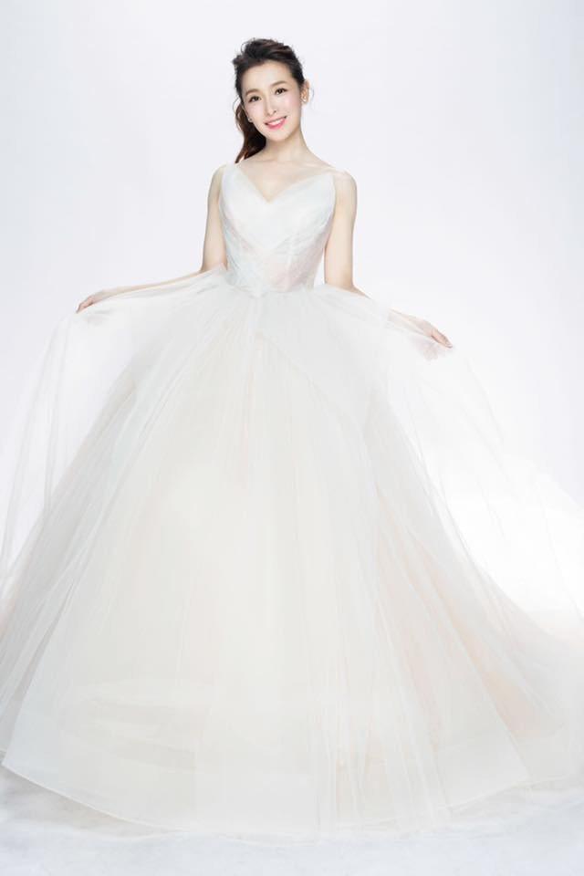 中天主播張雅婷曬出婚紗照。圖/摘自臉書
