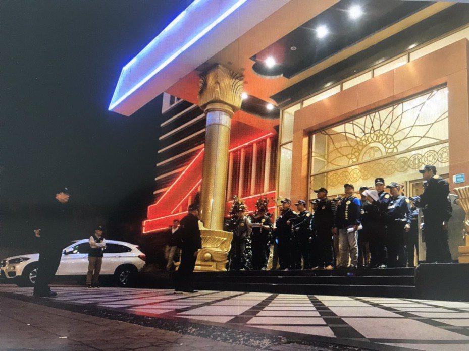 台南市安平區一家KTV夜店。今天起暫停營業。記者黃宣翰/翻攝