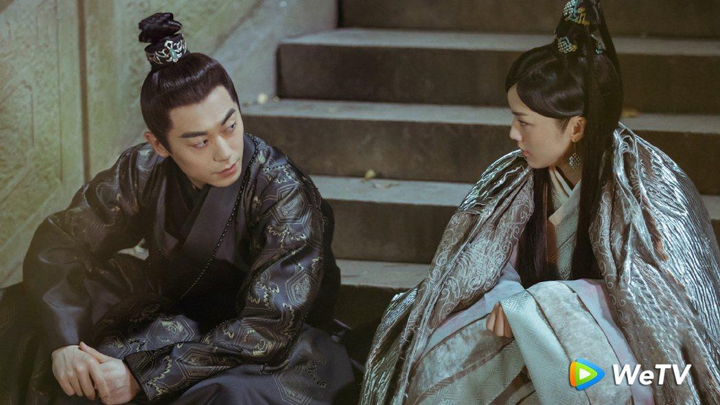 朱亞文(左)、湯唯在「大明風華」有段虐心動人戀情。圖/WeTV提供