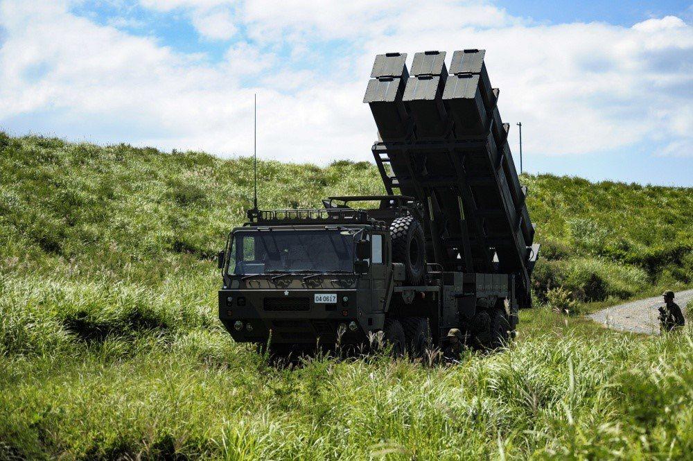 美國2019年曾派出海馬斯火箭部隊,與日本12式反艦飛彈部隊進行聯合演習,以學習陸射反艦飛彈的使用經驗,作為未來操作反艦導引版火箭的參考。 圖/取自dvidshub