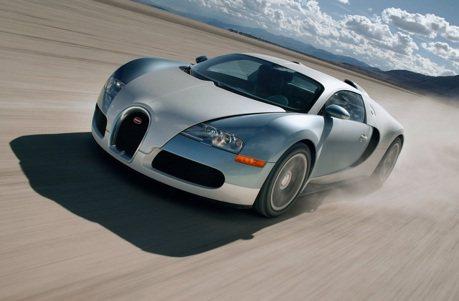 Bugatti總裁每天開山豬上班嗎? 沒有,但他每年都換車開