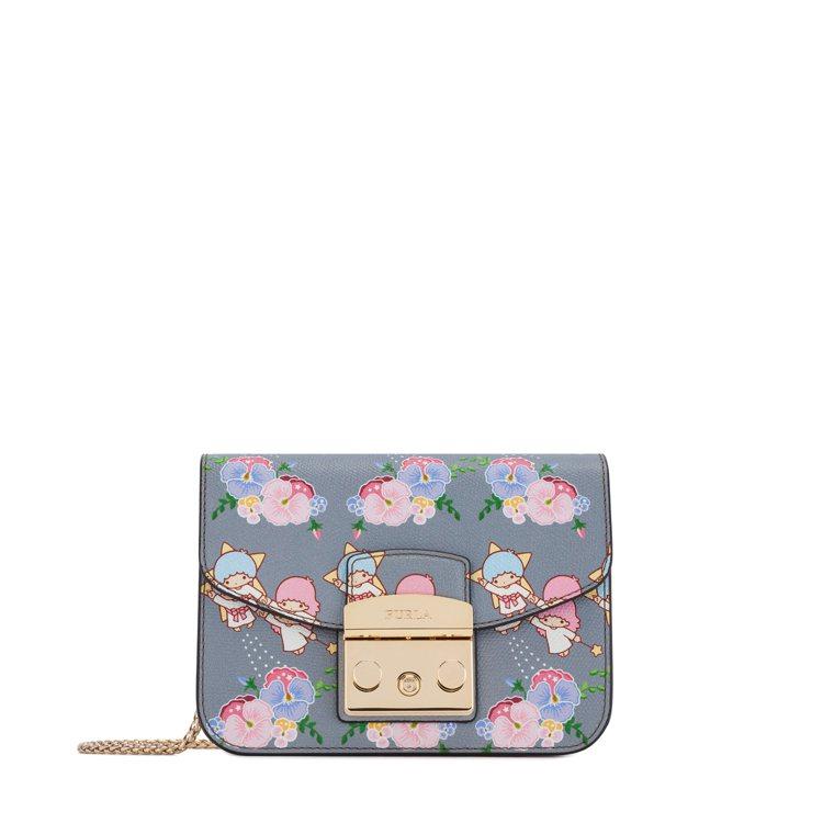 Furla與Kiki、Lala聯名系列花卉迷你斜背包14,850元。圖/嘉裕提供