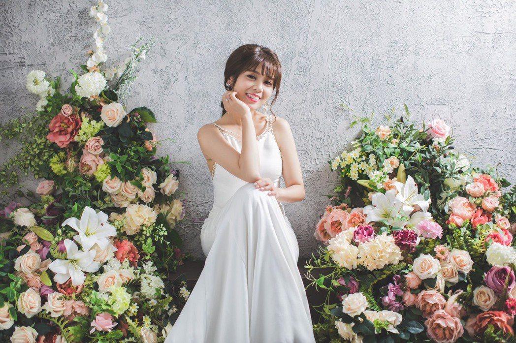 中天主播陳諺瑩拍韓系婚紗照。圖/中天提供