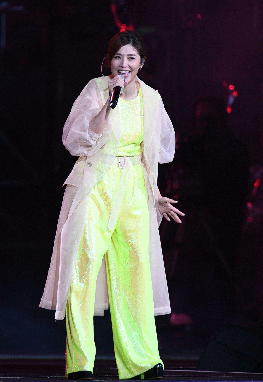 蘇慧倫睽違12年唱跨年,收視亮眼。圖/華視提供