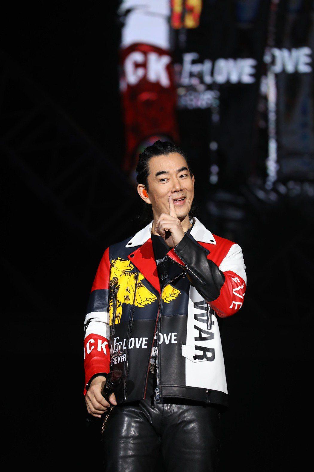 任賢齊日前跨年夜於武漢舉辦「齊跡」演唱會。圖/寰亞唱片提供