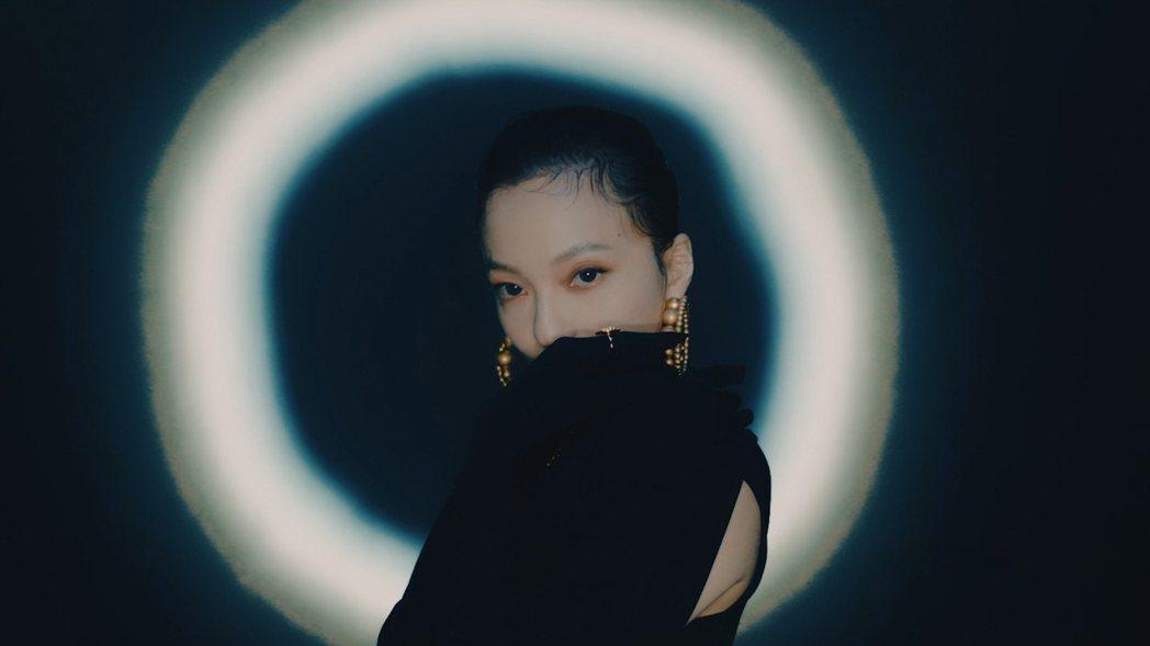 張韶涵在新歌「我」大換四種風格迥異的造型。圖/心喜文化提供