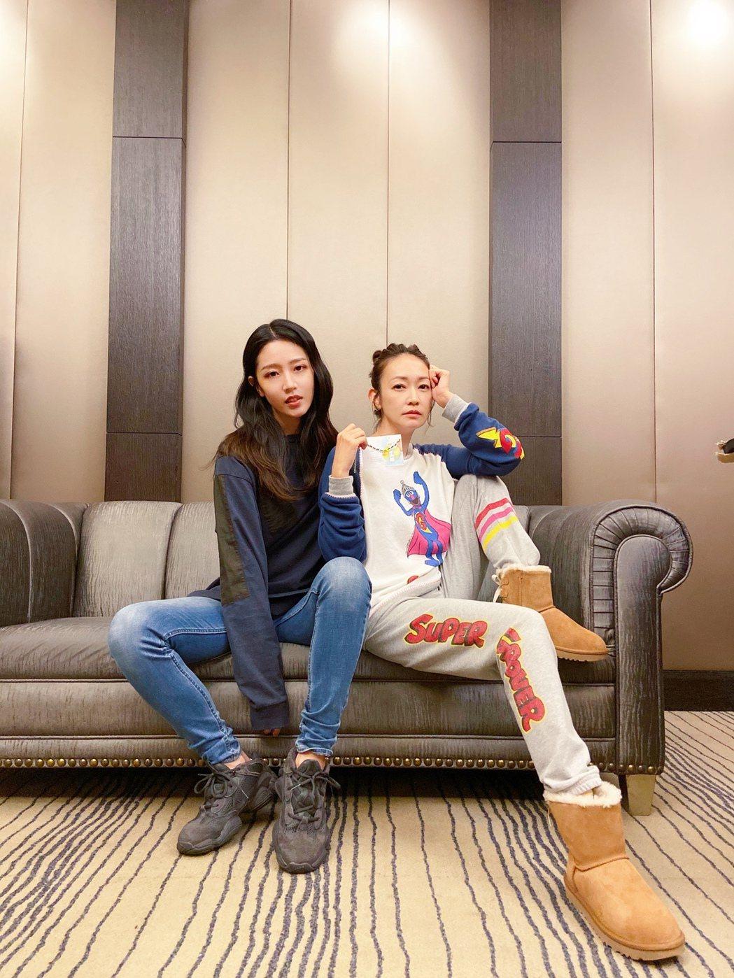 潘慧如(右)與黃薇婷劇中演母女。圖/球狀星團娛樂提供