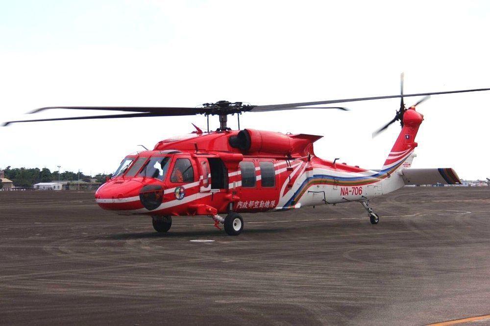 空勤總隊摔掉的黑鷹直升機。記者羅紹平/翻攝