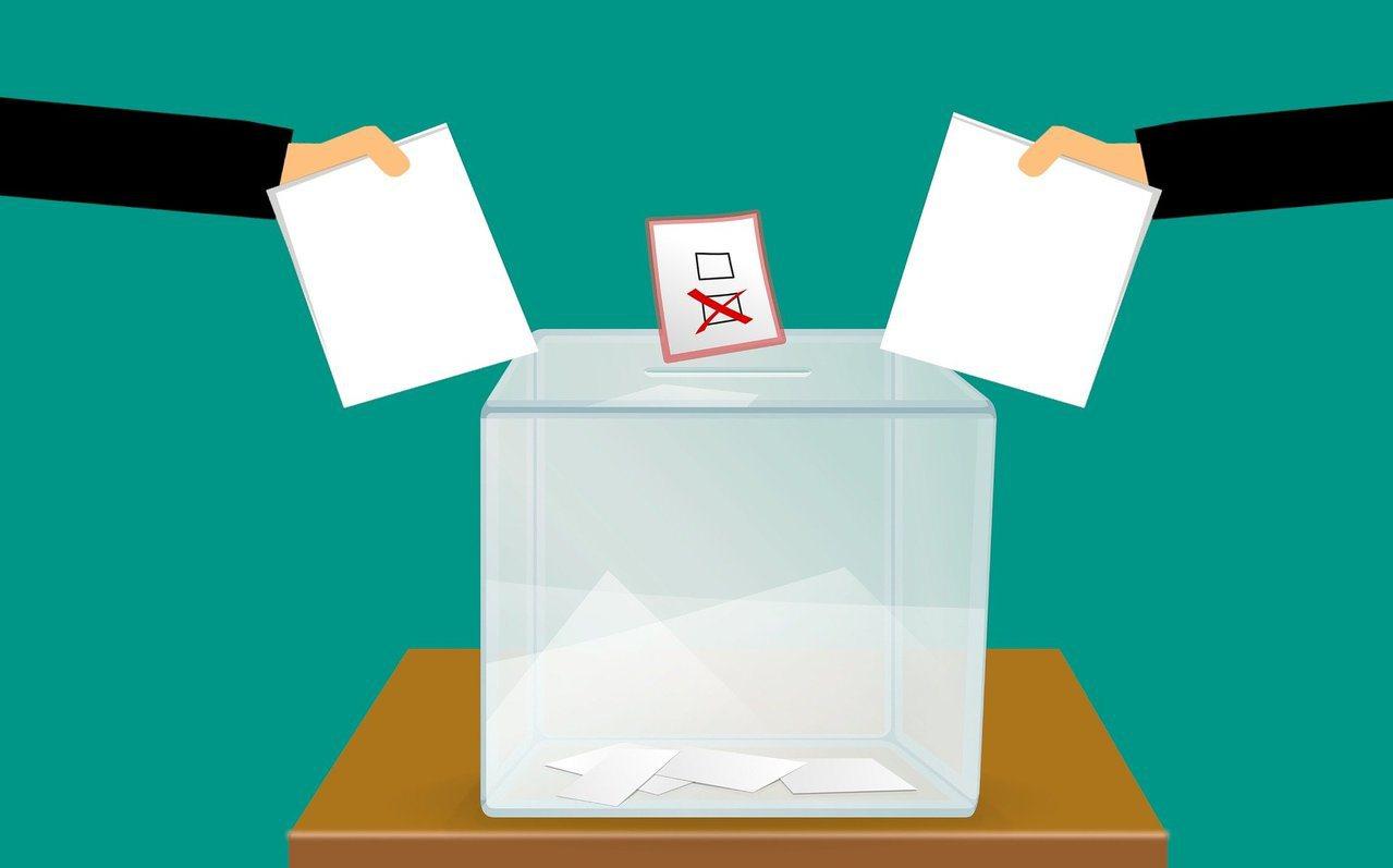 醫師指出,選舉多半激烈,每年都有家人吵架,最後全家來就醫、接受家庭協談的案例,建...