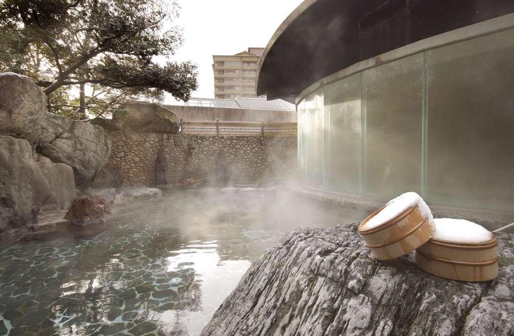 位於岐阜縣中部的下呂市,與草津、有馬並列日本三大名泉,屬於鹼性泉質,透明無色,浸...