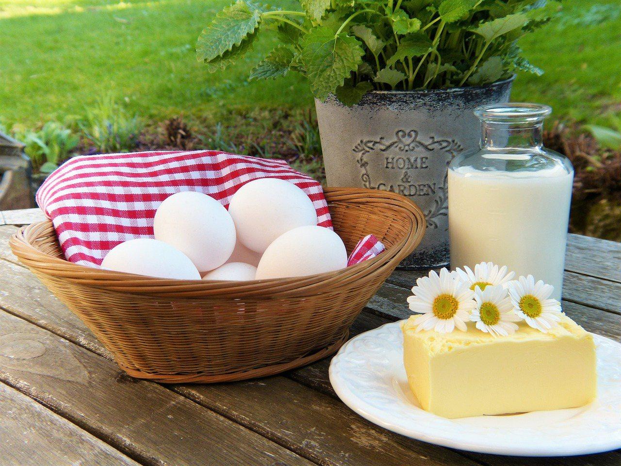 50歲以上成人一天應攝取的理想鈣質含量約為1000至1200毫克。 圖/pixa...