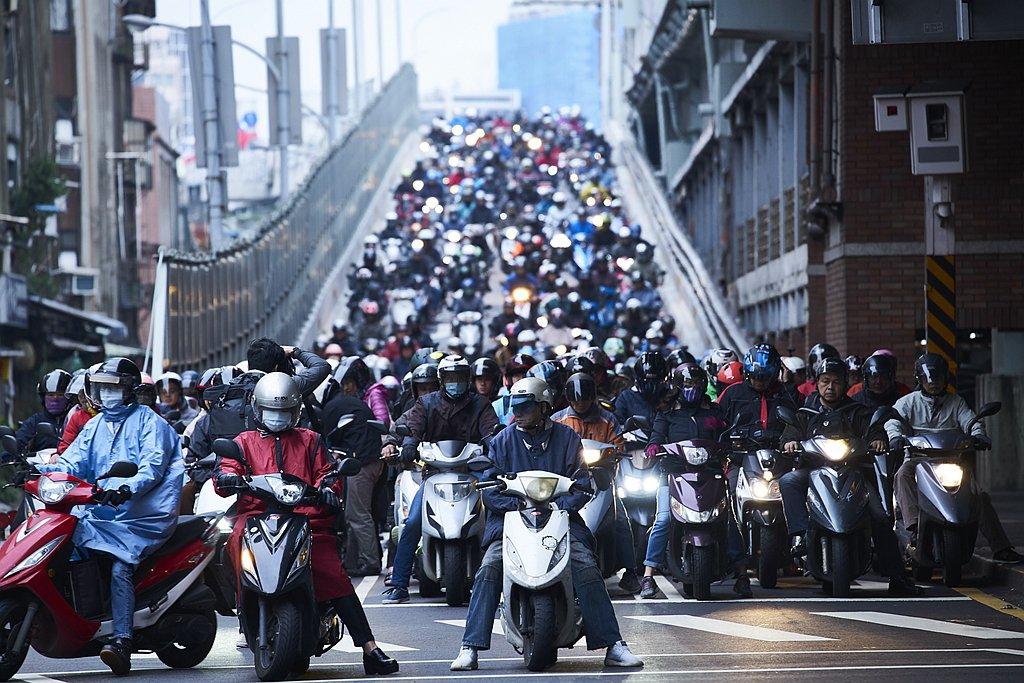 台灣機車七期環保法規是全世界最嚴格的環保排放法規,已將現有排放物質濃度嚴加管控,...