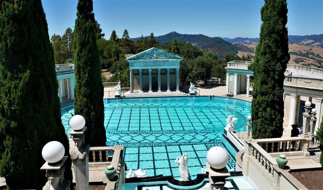 海王星游泳池