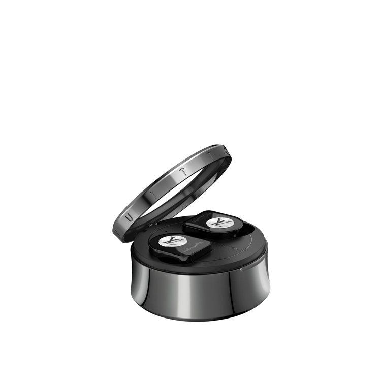 路易威登全新無線耳機亮黑色款,售價35,300元。圖/LV提供