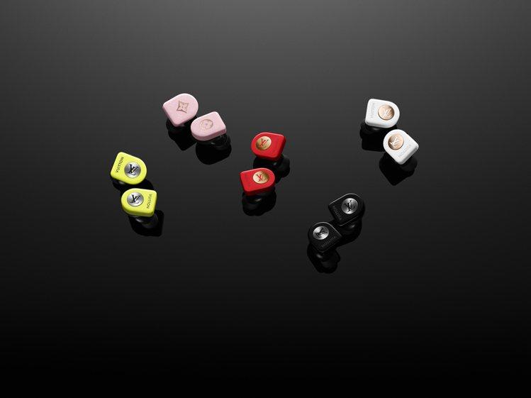 路易威登全新無線耳機共有5款顏色,各售35,300元。圖/LV提供
