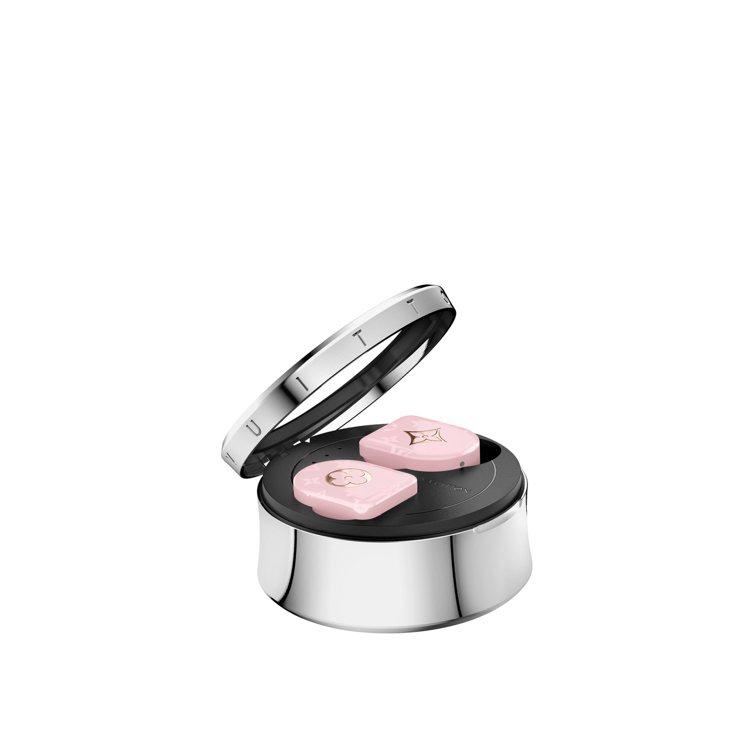 路易威登全新無線耳機粉紅色款,售價35,300元。圖/LV提供