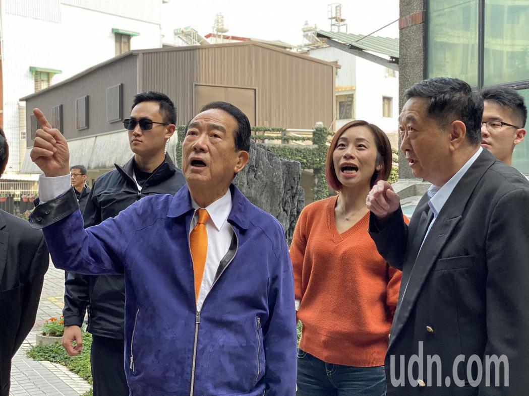 親民黨總統候選人宋楚瑜參訪屏東勝利之家,關心社福議題。記者江國豪/攝影