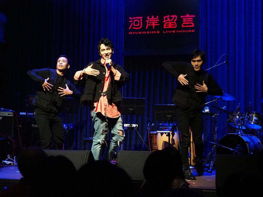 陳謙文憑「女兵日記」竄紅,出道10年首次舉辦售票演唱會。圖/星火映化提供