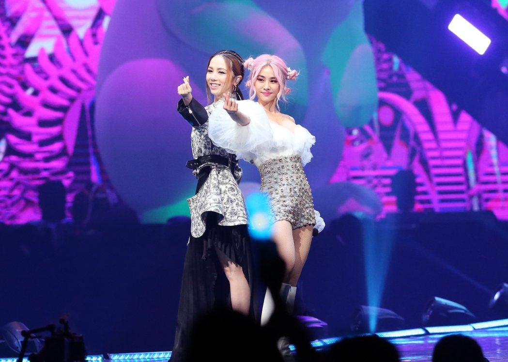 Jolin今晚演唱會邀嘉賓鄧紫棋齊跳萌舞。記者徐兆玄/攝影