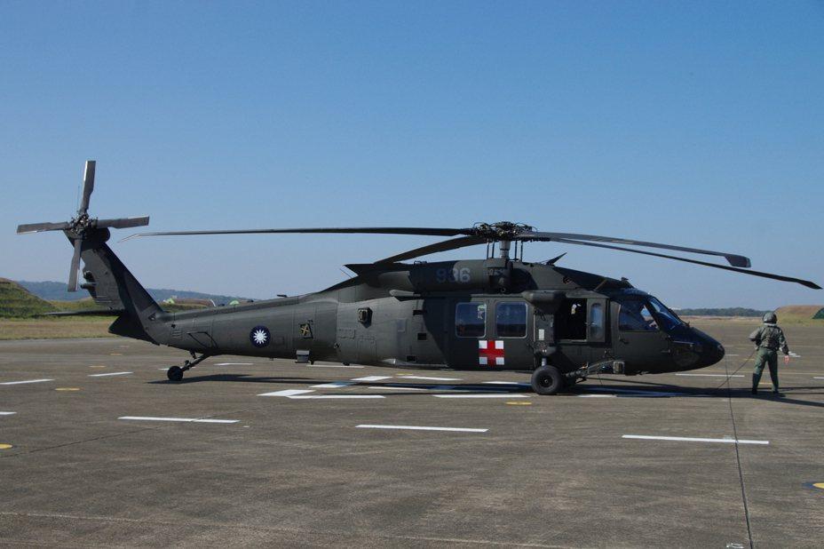 空軍救護隊的UH-60M黑鷹直升機。資料照,記者程嘉文/攝影
