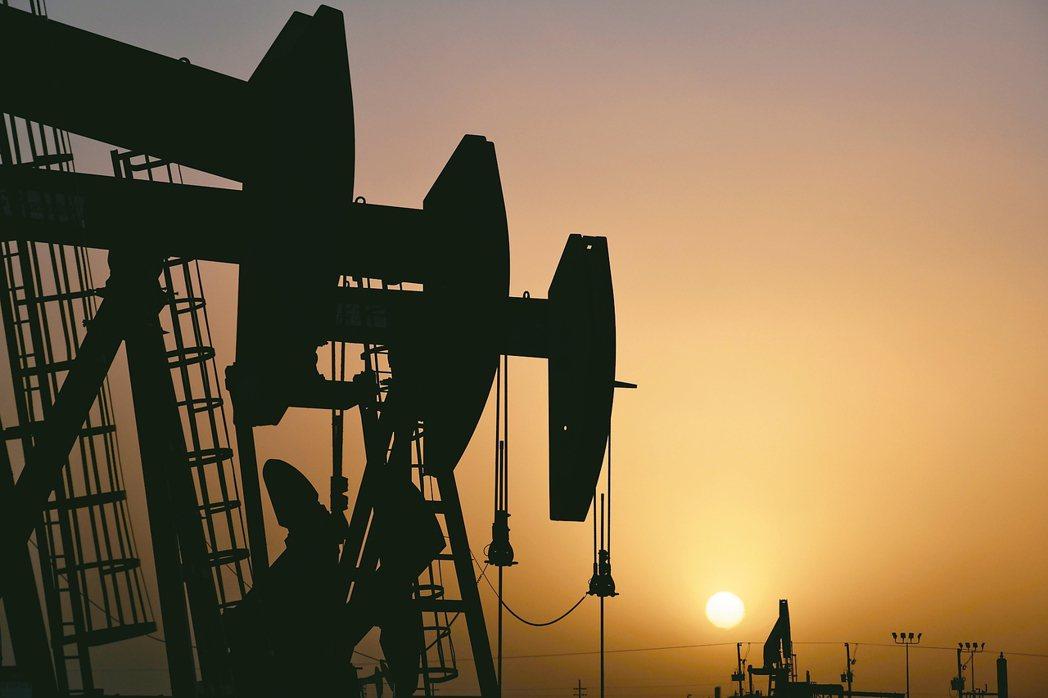 中東衝突擴大,國人也無須過於恐慌,因為中油的儲油量有128天。 路透