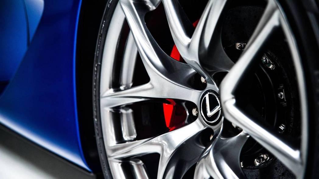 LEXUS LFA是品牌性能神主牌。 圖/摘自motor1.com