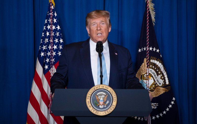 美國總統川普3日在佛州海湖莊園(Mar-a-Lago),就空襲巴格達行動發表談話 。 美聯社