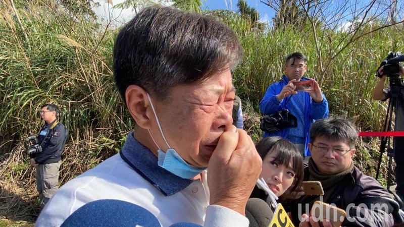 黑鷹罹難的正駕駛葉建儀的父親泣訴,早勸兒子轉地勤,但兒子還是愛飛行。記者羅建旺/攝影