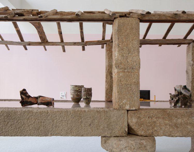 「Chance Encounters V」藝術展以展件和十八世紀的葡萄牙糧倉建築...