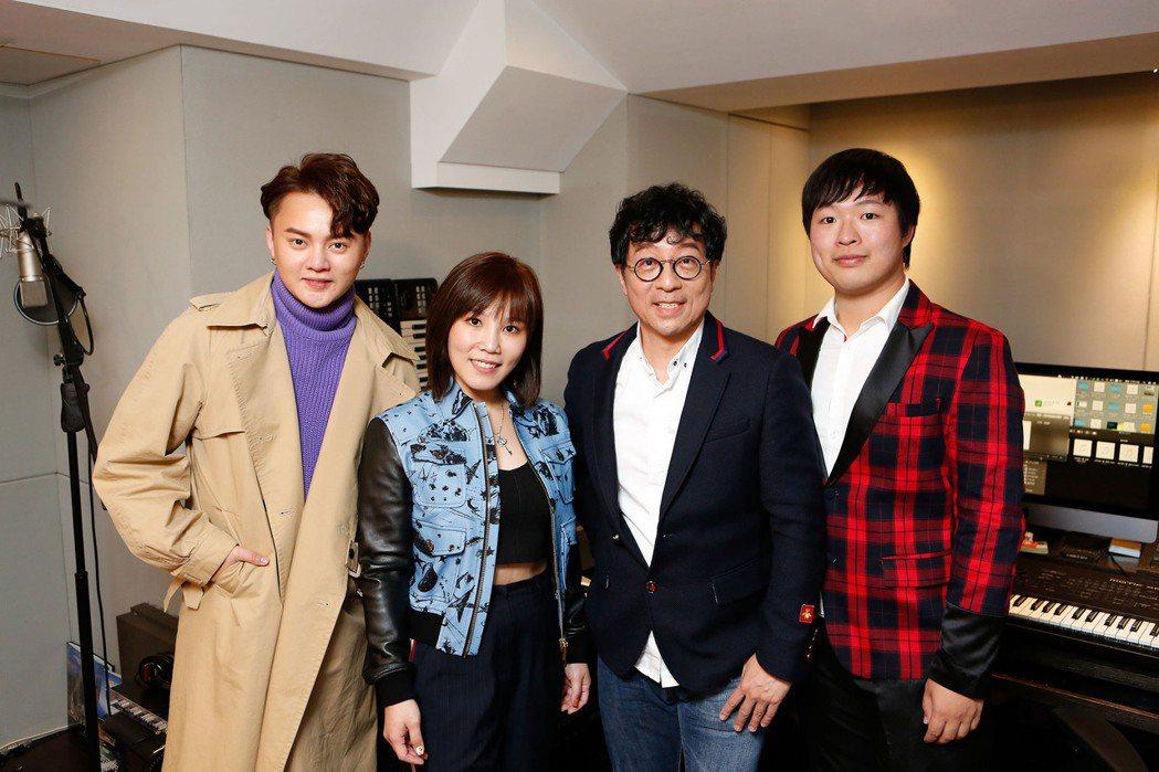 許富凱(左起)、李佳薇、蔣三省和蔣榮宗為台視八點檔大戲「生生世世」獻聲。圖/JM