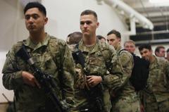美軍第82空降師開赴中東 快速部署規模罕見