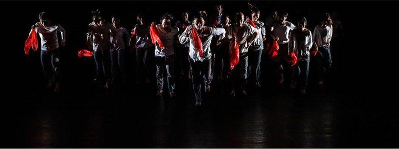 2020第3屆相遇舞蹈節以「共創」為題,並邀請香港「不加鎖舞踴館」藝術總監王榮祿開設「波麗露身體工作坊」,參與學員完成課程後,便能參演作品「波麗露」,體現人人都能跳舞的意涵。(三十舞蹈劇場提供) 中央社