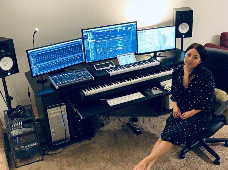 旅居美國洛杉磯的電影配樂家王倩婷為生態紀錄片「黑熊來了」擔任配樂,她以陶笛純樸樂音代表黑熊,展現可愛溫暖的一面。(王倩婷提供) 中央社