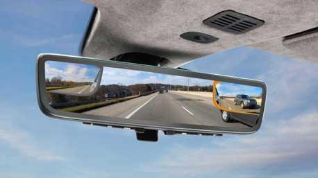 Aston Martin將在今年CES展中發表全新「三鏡一體」數位後視鏡!