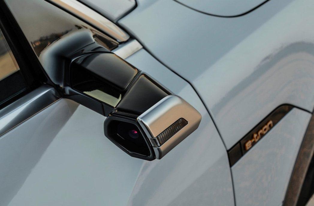 Audi e-tron在部分市場可配備數位後視鏡。 摘自Audi