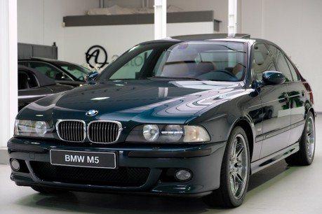 1999年的BMW M5出售中 里程數竟只有3.5萬公里!