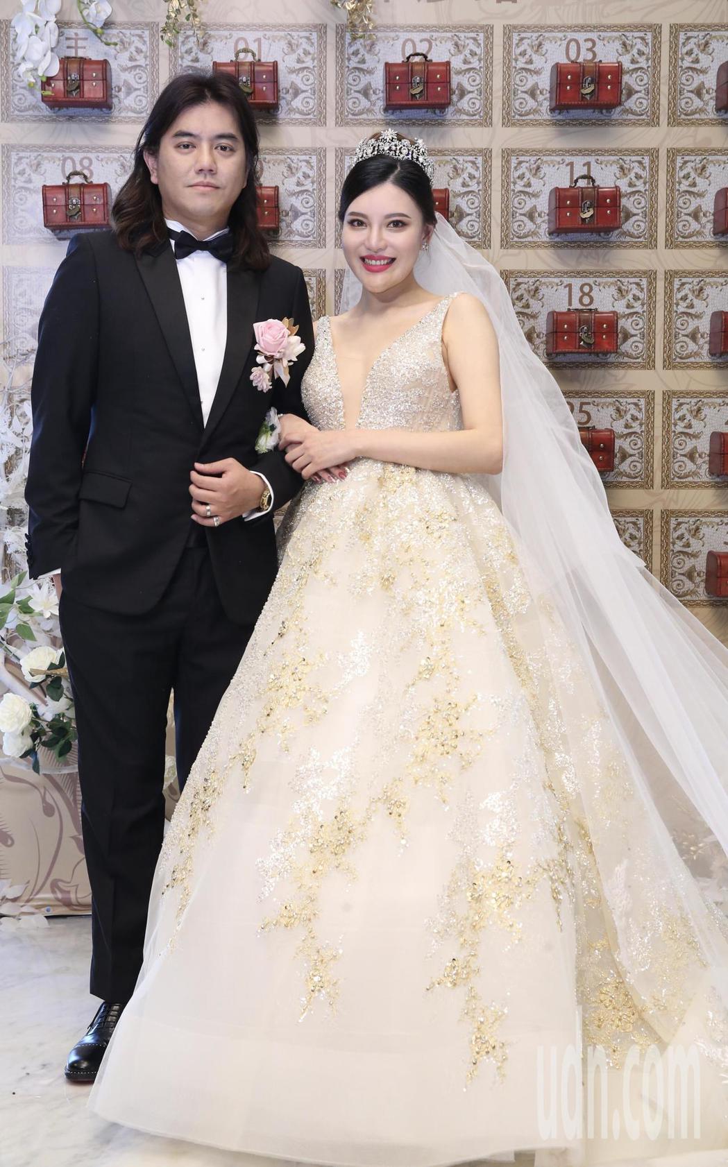 綜藝節目製作人B2(陳彥銘)與妻子王潔如中午在寒舍艾美舉行婚宴。記者許正宏/攝影